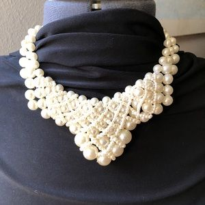 Jewelry - Vintage FAUX pearl necklace